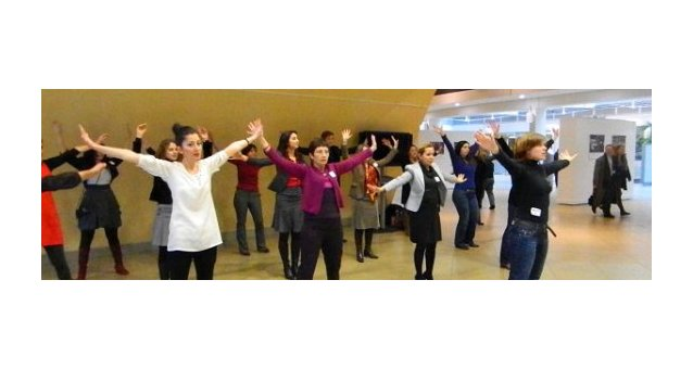 One Billion Rising : European Commissioner Stefan Füle is rising with the European Women's Lobby !